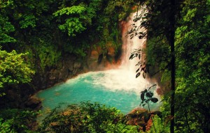 costa-rica-national-parks-rio-celeste-waterfall-1024x652