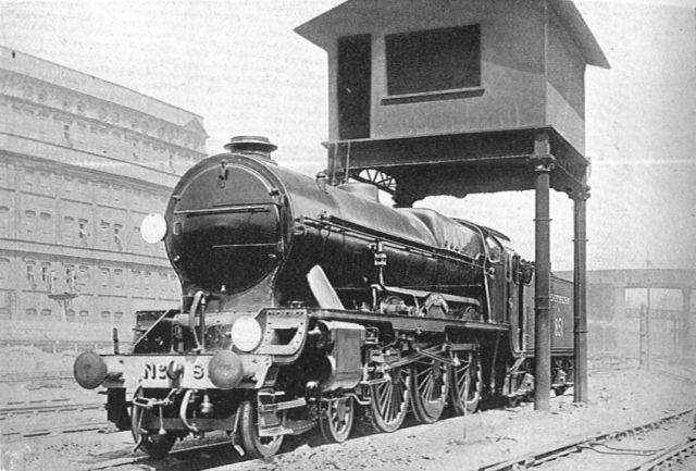 Power-operated_locomotive_hoist,_Battersea_running_shed_(CJ_Allen,_Steel_Highway,_1928)